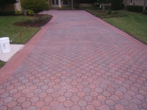 Tampa Driveway and sidewalk cleaning